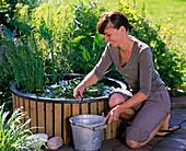 Mini - Teich mit Lattenverkleidung