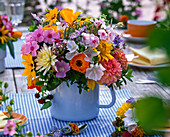 Strauß aus Phlox (Flammenblume), Calendula (Ringelblume), Malva