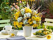 Herbststrauß aus Chrysanthemum indicum (Herbstchrysanthemen)