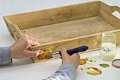 Holz - Tablett mit Serviettentechnik Apfel 2/3
