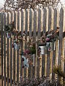 Staketen - Zaun weihnachtlich dekoriert