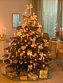 Weihnachtsbaum weiß - gold geschmückt