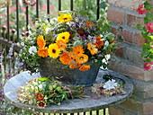 Gesteck aus Heilpflanzen und Teekräutern