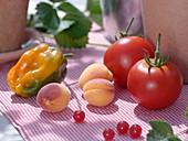 Paprika (Capsicum), Aprikosen (Prunus armeniaca), Tomaten (Lycopersicon