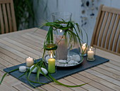 Abendliche Tischdeko auf der Terrasse