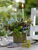 Kerzen - Gesteck mit Kräutern in Metall - Topf
