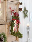 Nikolausstiefel aus Moos, Nikolaus - Oblate und Apfelscheiben