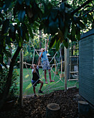 SPIDERS WEB Rope CLIMBING FRAME: Steven AND DANIEL James CLIMBING On THE WEB