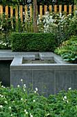 RAISED SLATE EDGED Water Feature IN CANCER RESEARCH / ATRIXO'S Garden, CHELSEA 2003, DESIGNERS ERIK De MAEIJER + JANE Hudson
