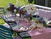 Tischdeko mit Spargel, Radieschen und Borretsch