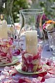 Rosen - Tischdeko mit Windlichtern