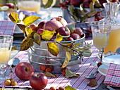 Herbstliche Apfel -Tischdeko