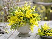 Duftender, gelber Strauß aus Acacia (Mimose)