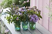 Kräuter und eßbare Blüten