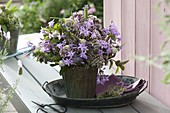 Strauß aus Kräuterblüten : Knoblauch (Allium sativum),