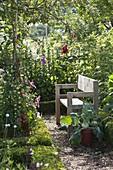Sitzplatz im Bauerngarten