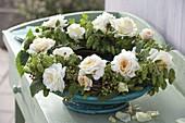Spätsommerkranz aus Humulus lupulus (Hopfen), Rosa (Rosen)