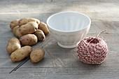 Erntedank-Strauß mit Gemüse im Kartoffel-Kleid 1/4