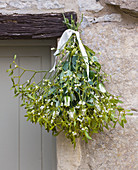 MISTLETOE HANGING OUTSIDE DOORWAY: Styling by Jacky HOBBS