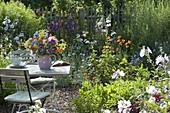 Bunter Bauerngarten - Strauss aus Centaurea (Kornblumen)