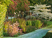 PETTIFERS Garden, OXFORDSHIRE, IN AUTUMN