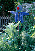 CARDOON AND SCARECROW IN PET Plan'S MR MCGREGOR'S Garden, CHELSEA 99