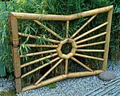 Eingangstor aus Bambus
