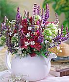 Salvia nemorosa, Alstroemeria, Centranthus ruber 'Alba',