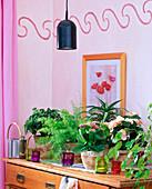 Pflanzenlampe für dunkle Ecken im Zimmer