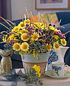Argyranthemum, Limonium (Strandflieder), Gräser, Eryngium (Distel)
