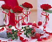 Tischdeko für Silvester: Rosa / Rose 'Grand Prix'