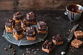 Filled chocolate and mocha cubes (vegan)