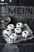 Vegan mini poppy seed 'Guglhupf' (Bundt) cakes with lemon icing