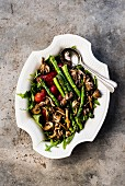 Asparagus and mushroom salad (seen from above)