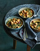 Vegetarian red curry with black cabbage and deep-fried tofu (low carb)