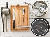Kitchen utensils for making noodles