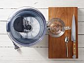 Kitchen utensils for making juice