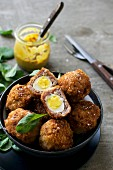 Scotch Eggs mit Wachteleiern