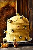 'Beesting' buttercream cake