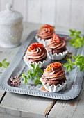 Sugar-free chocolate mousse cakes with blood orange