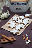 Fruity cinnamon star biscuits