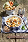 Meat and vegetable stew with beef