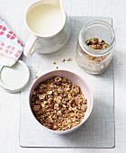 Oat and nut crunch (lactose-free)