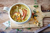 Vegan onion soup with braised apples (soya-free)