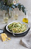 Linguine with courgette noodles and Parmesan