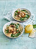 Spaghetti with mushrooms, spinach and a spelt cream sauce