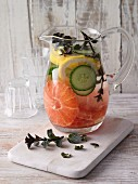 Belly-slimming detox water with cucumber, grapefruit and lemon