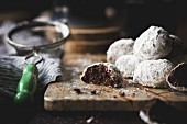 Cocoa polvorones (snowballs) covered in icing sugar