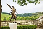 Engelstatue, Domaine de la Romanée Conti, Burgund, Frankreich