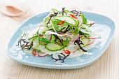 Vegetarischer Frühlingssalat